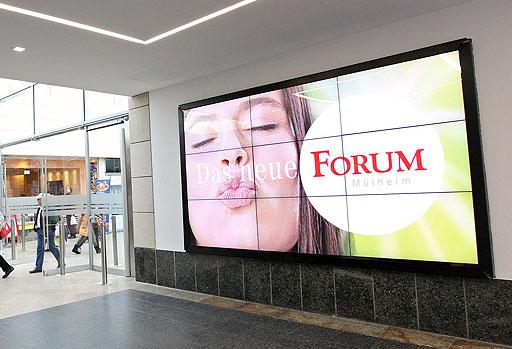 digital-signage-video-wall-shopping-center - Digital Screen Displays