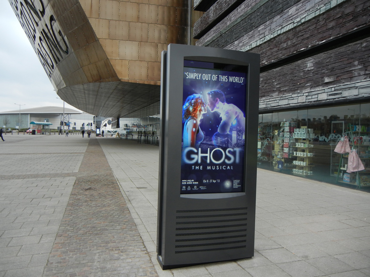 Outdoor Digital Screens Inform Entertain Promote And